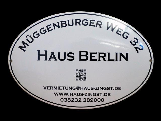Firmenschild-Haus-Berlin
