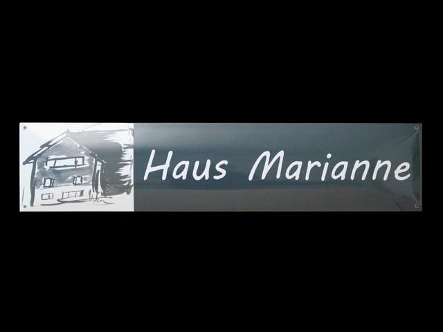 Firmenschild-Marianne