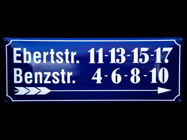 Wegweisend-Strassenschild-II