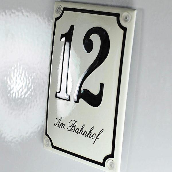 Hausnummer-Email-mit-Strasse-10x14