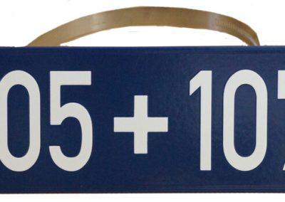 Doppelhausnummer mit Masthalterung