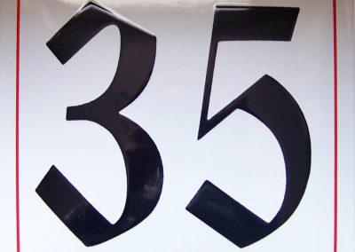 Hausnummer zweifarbig
